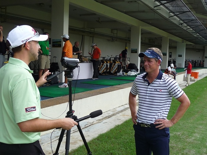 Tom Hutton of Titleist caught up with Pro V1x...