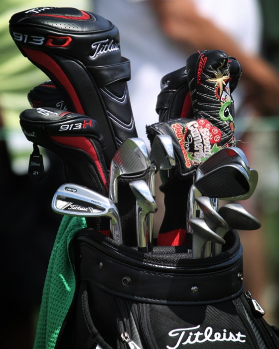 A quick peek at Kevin's bag, full of Titleist...