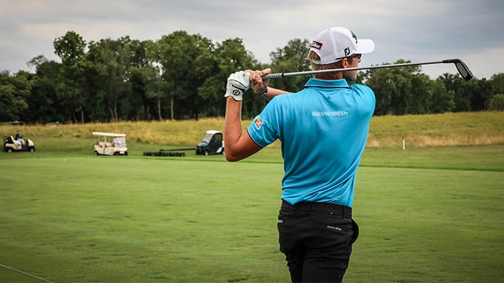 Titleist Brand Ambassador Richy Werenski watches t...