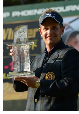 8838.luke 2D00 inset Adam Scott, Luke Donald Win Playing New Titleist Pro V1 and Pro V1x Prototype Golf Balls
