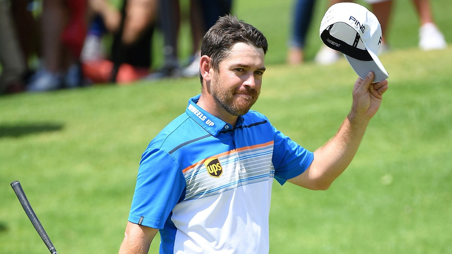 Louis Oosthuizen salutes the crowd after winning the 2019 South African Open